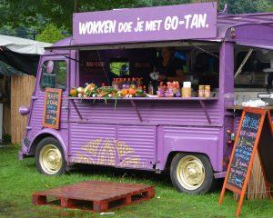 Zulke foodtrucks vind je waarschijnlijk op een van de Amsterdamse foodfestivals.