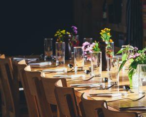 Vera op vrijdag - Deel 14 - Uit eten met een groep vrienden