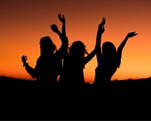Is de mens eigenlijk wel monogaam? Of kunnen we beter polygame relaties aangaan?