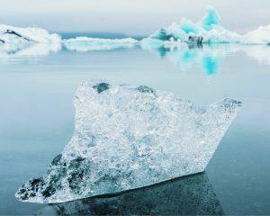 Stuk ijs op de noord- of zuidpool. De nieuwste rage is vet verwijderen door bevriezing. Niet met een stuk ijs uiteraard, maar met het afslankapparaat Cryo21.
