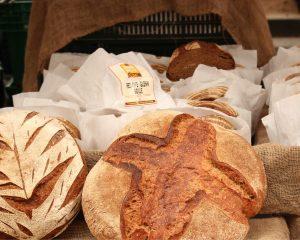 MaiSaiz adviseert om te stoppen met brood eten. Hoe is dat voor Esther?