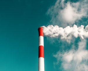 De kledingindustrie is niet goed bezig, het is zelfs een van de grootste vervuilers geworden.