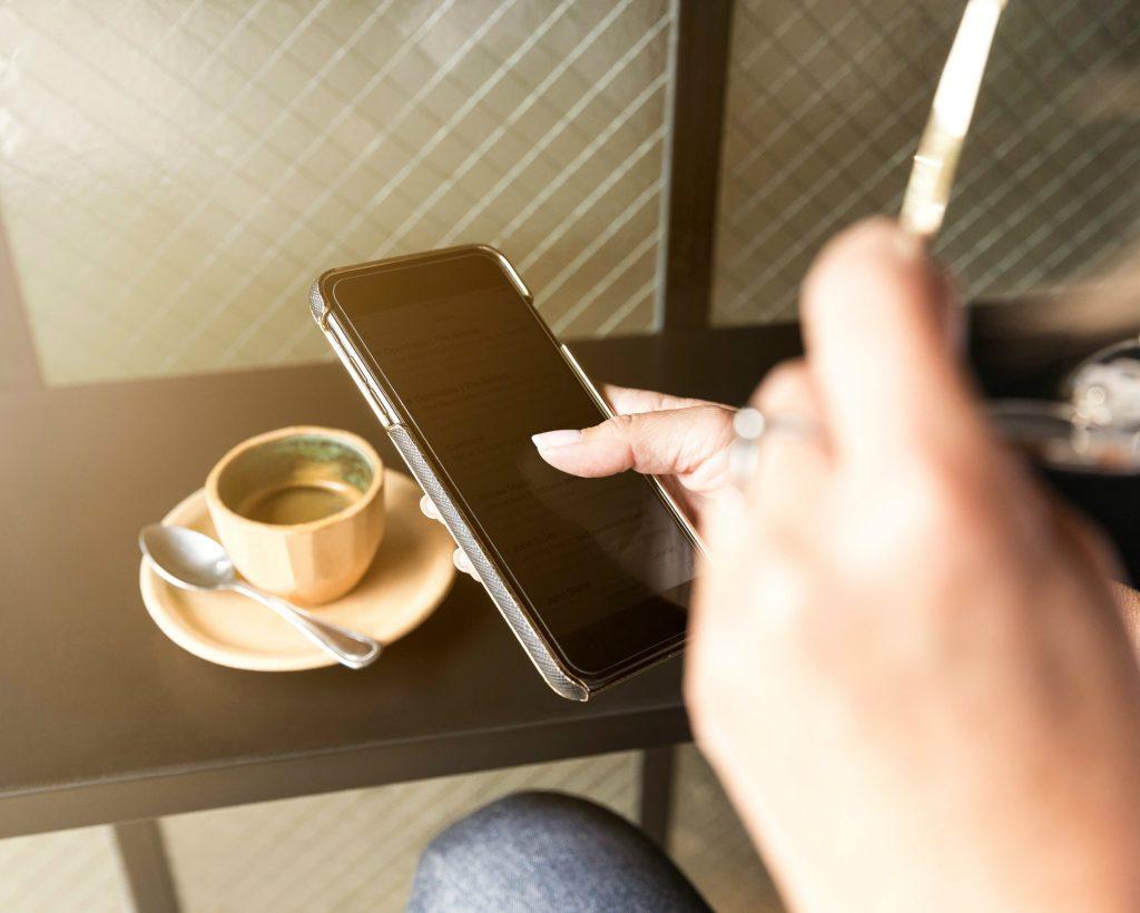 De nieuwe column van Martine gaat over de mobiele telefoon.